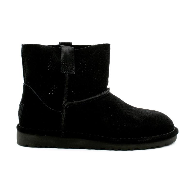 8e0bfa2b079f UGG Boots Femme Classic Mini Perf