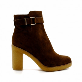 wf520 ankle bootie